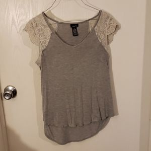 Lace sleeved gray shirt